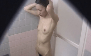 素人のシャワー室盗撮動画はエロい