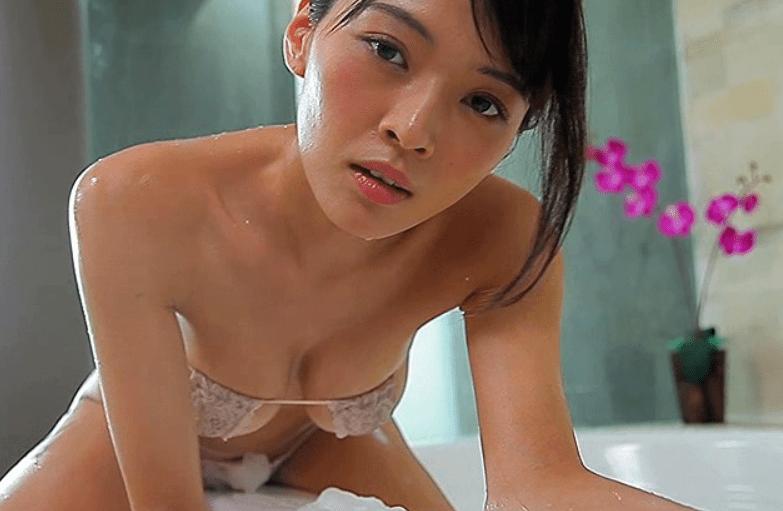 伊藤しほ乃が手ぶらで突かれまくる擬似セックス&フェラ動画