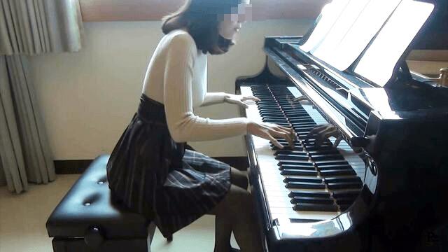 巨乳YouTuber「PanPiano(パンピアノ)」、素顔を晒す凡ミスを犯してしまう…